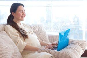 妊娠中にママが英語学習すると赤ちゃんは英語好きになる?!